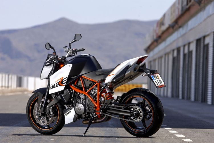 2009 KTM 990 Super Duke-R duke wallpaper