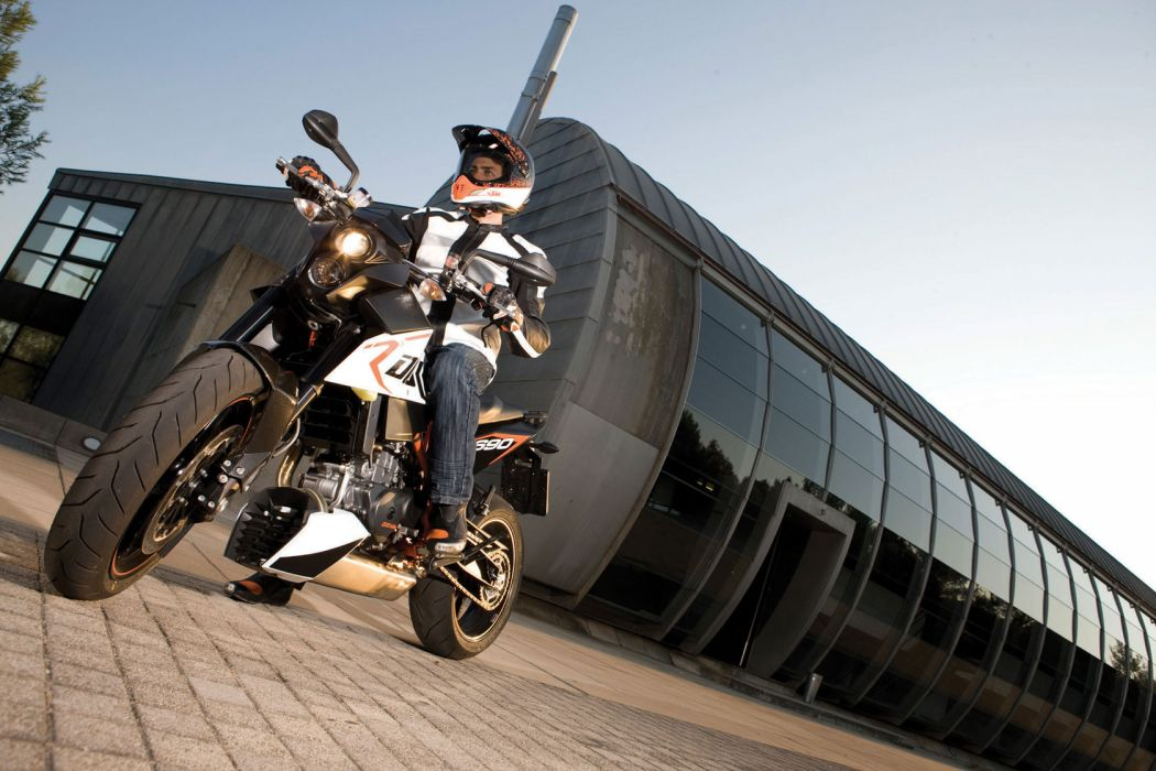 2010 KTM 690 Duke-R duke wallpaper