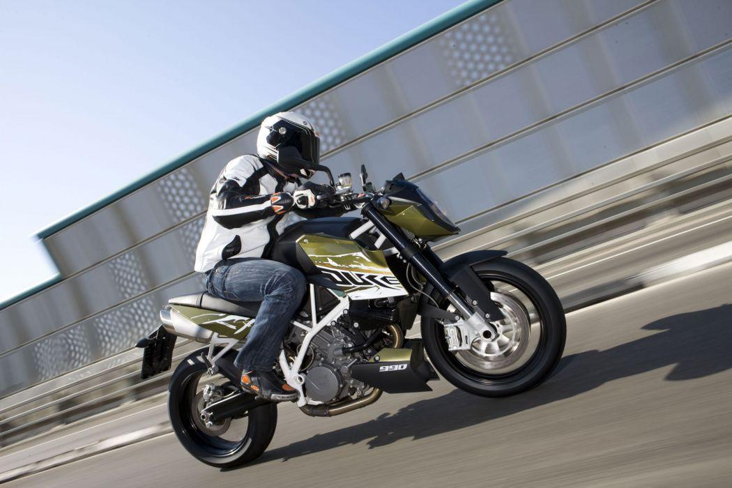 2010 KTM 990 Super Duke  d wallpaper
