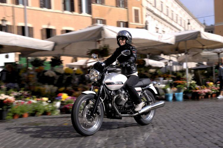 2010 Moto Guzzi V-7 Classic wallpaper