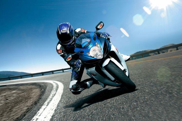 2011 Suzuki GSX-R750 race racing wallpaper