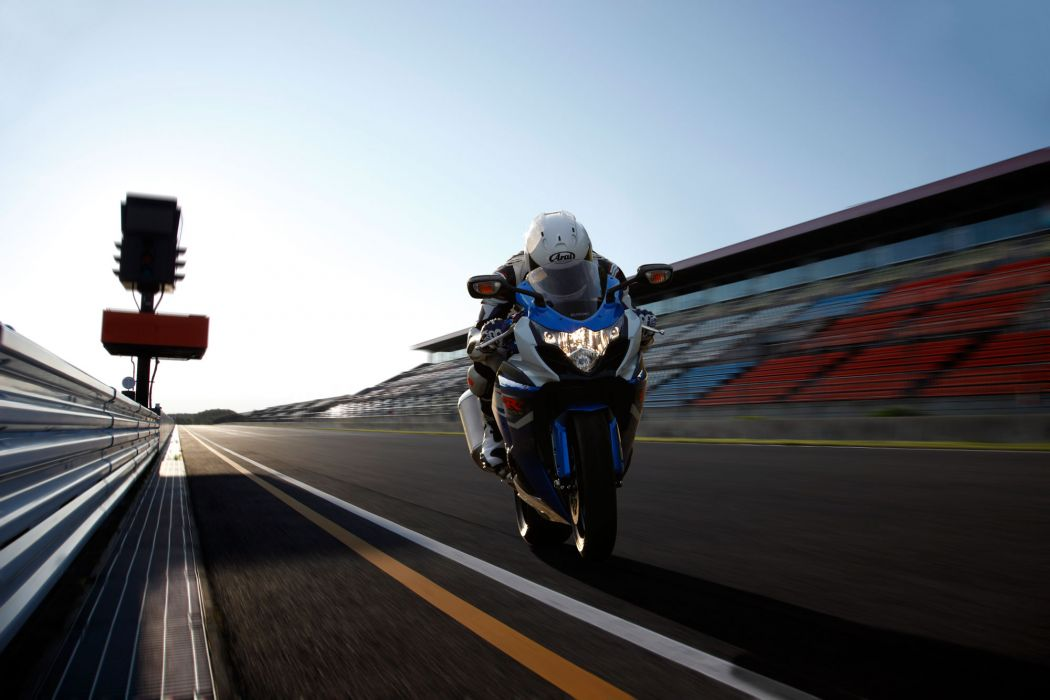 2012 Suzuki GSX-R1000 race racing     r wallpaper
