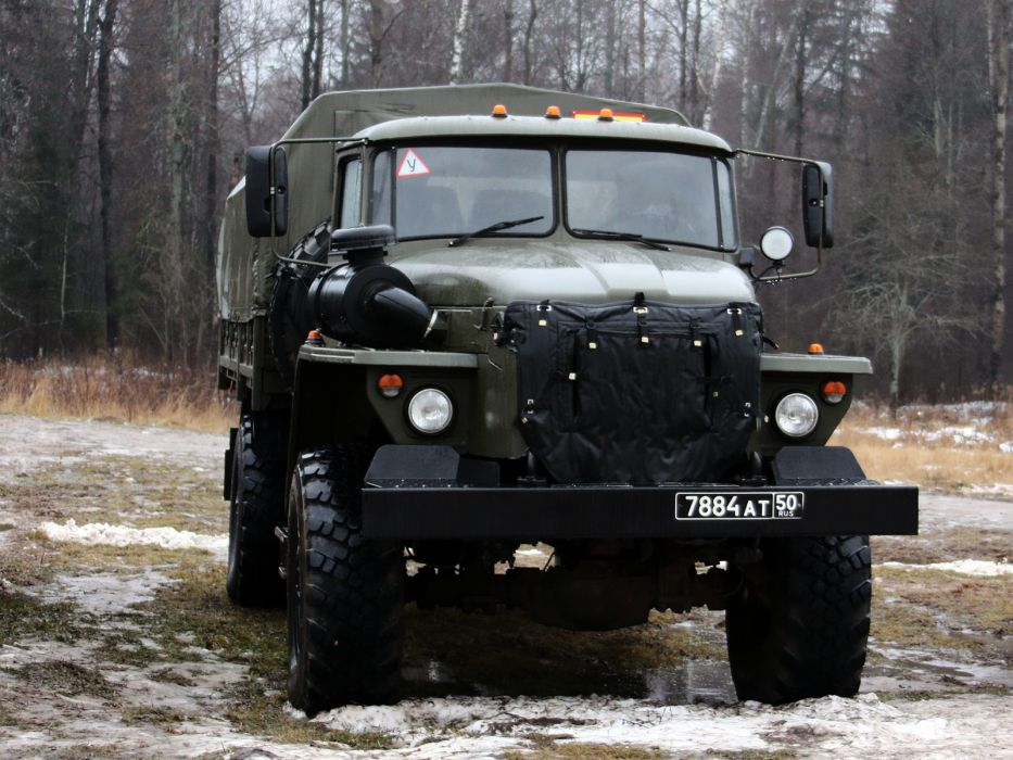 1996 Ural 43206-0111-41 military 4x4 truck trucks wallpaper