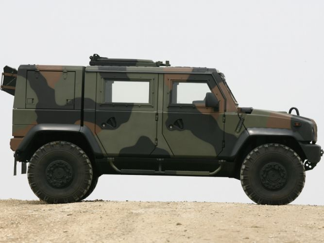 2000 Iveco Lince LMV suv 4x4 offroad truck trucks military g wallpaper