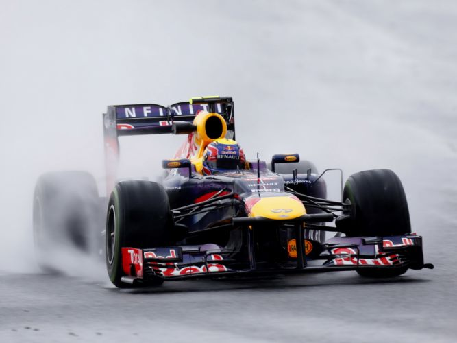 2013 Red Bull Renault Infiniti RB9 Formula One race racing rain wallpaper