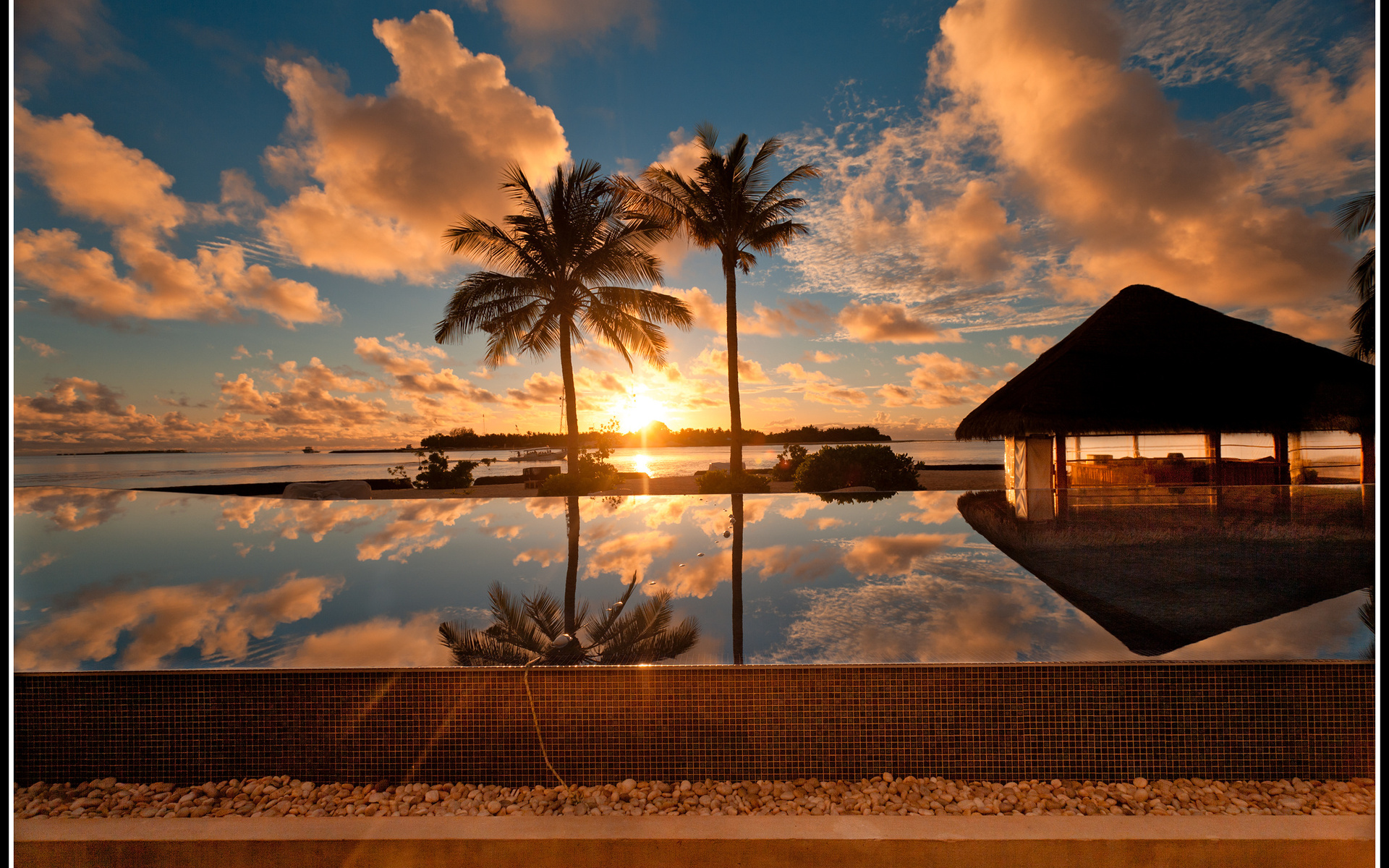 Landscape water palm trees sunset sky sun clouds maldives for Beautiful wallpapers for lounges
