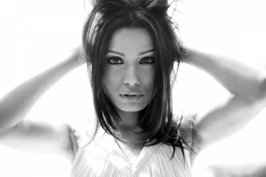 Freida Pinto actress women brunette b-w wallpaper