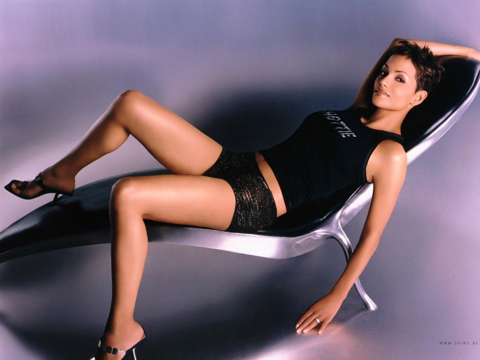 Halle Berry actress brunette women i wallpaper