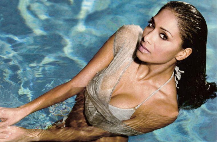 Nicole Scherzinger women brunette music pussycat dolls pop wallpaper