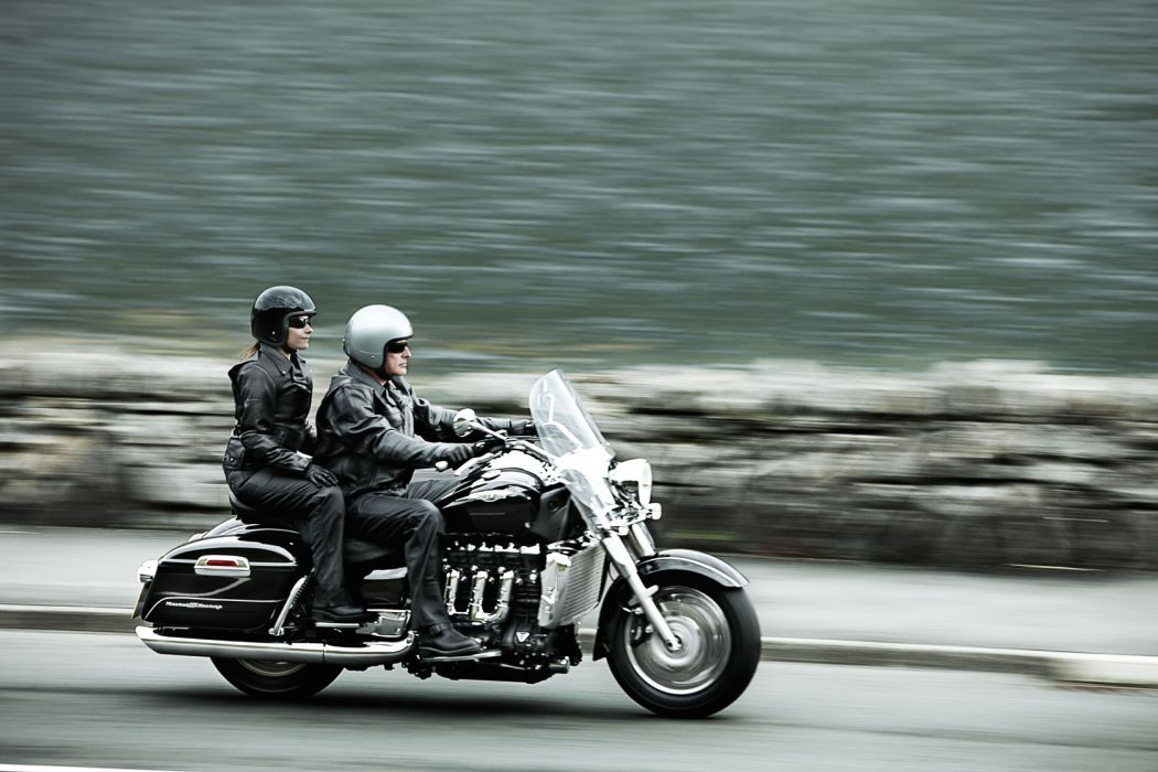 2010 Triumph Rocket III Touring   r wallpaper