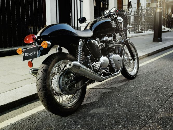 2010 Triumph Thruxton r wallpaper