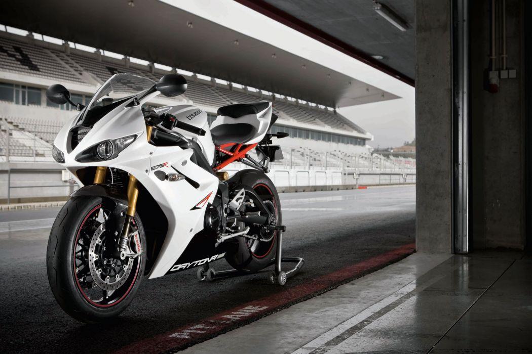 2012 Triumph Daytona 675r Wallpaper 2000x1333 98765