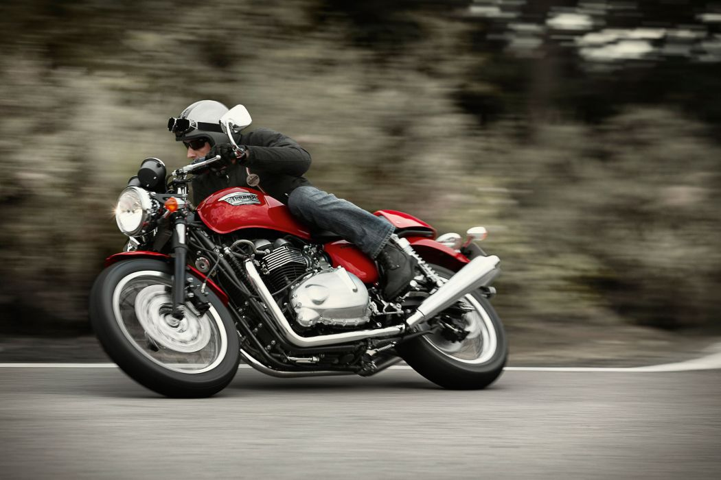2012 Triumph Thruxton wallpaper
