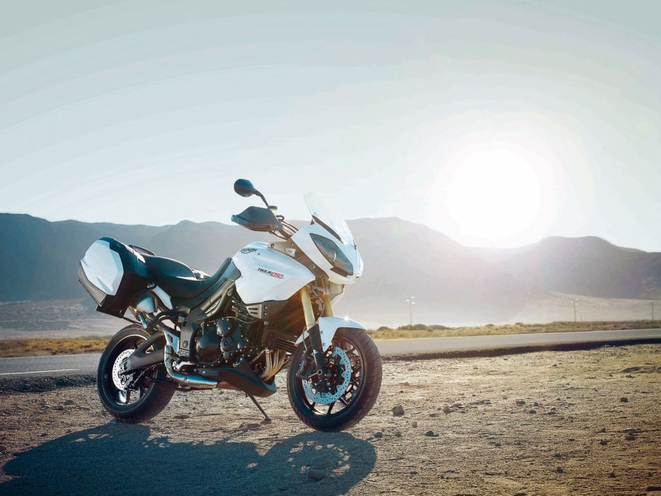 2012 Triumph Tiger 1050 ABS  f wallpaper