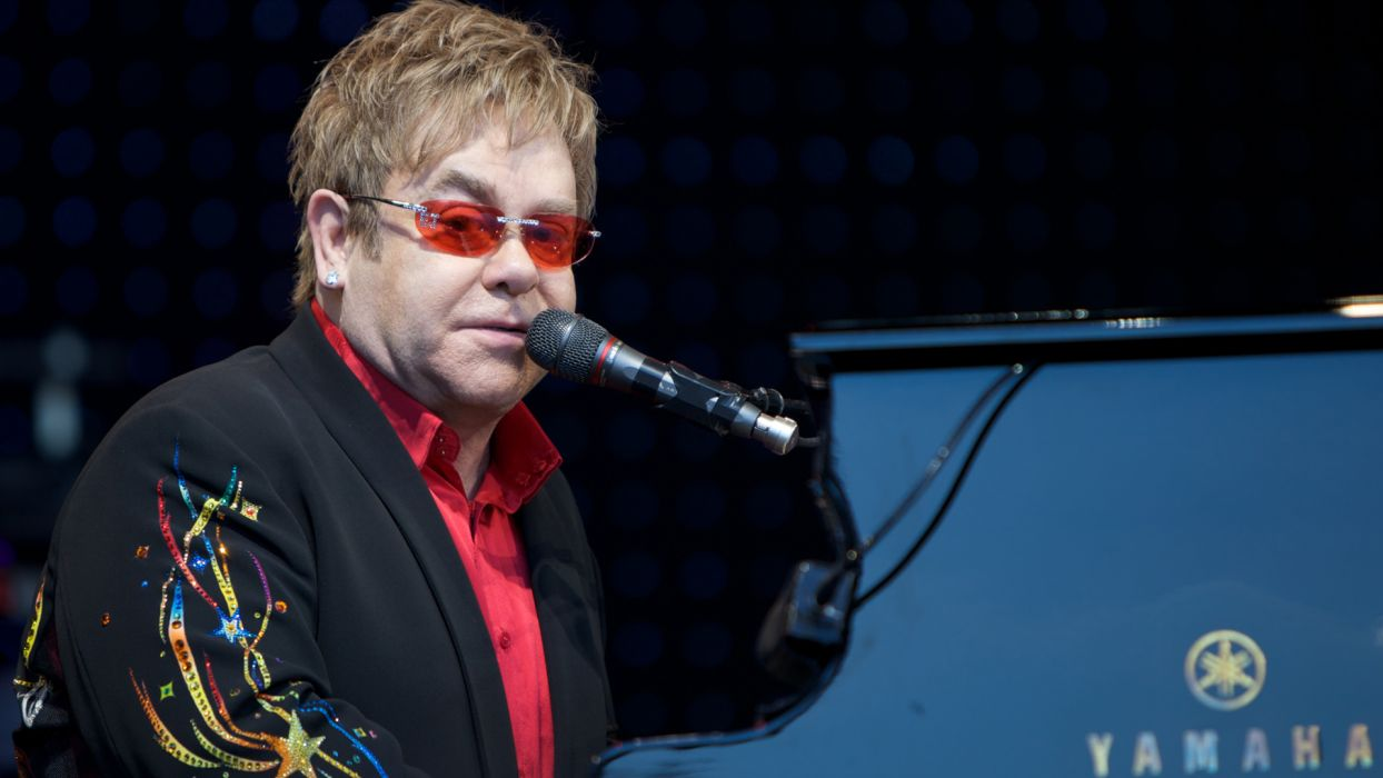 ELTON JOHN rock pop glam classic piano r-b concert concerts microphone  g wallpaper
