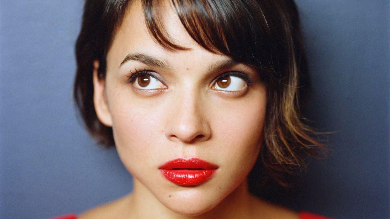 NORAH JONES contemporary vocal jazz folk country roots lo-fi rock actress   g wallpaper