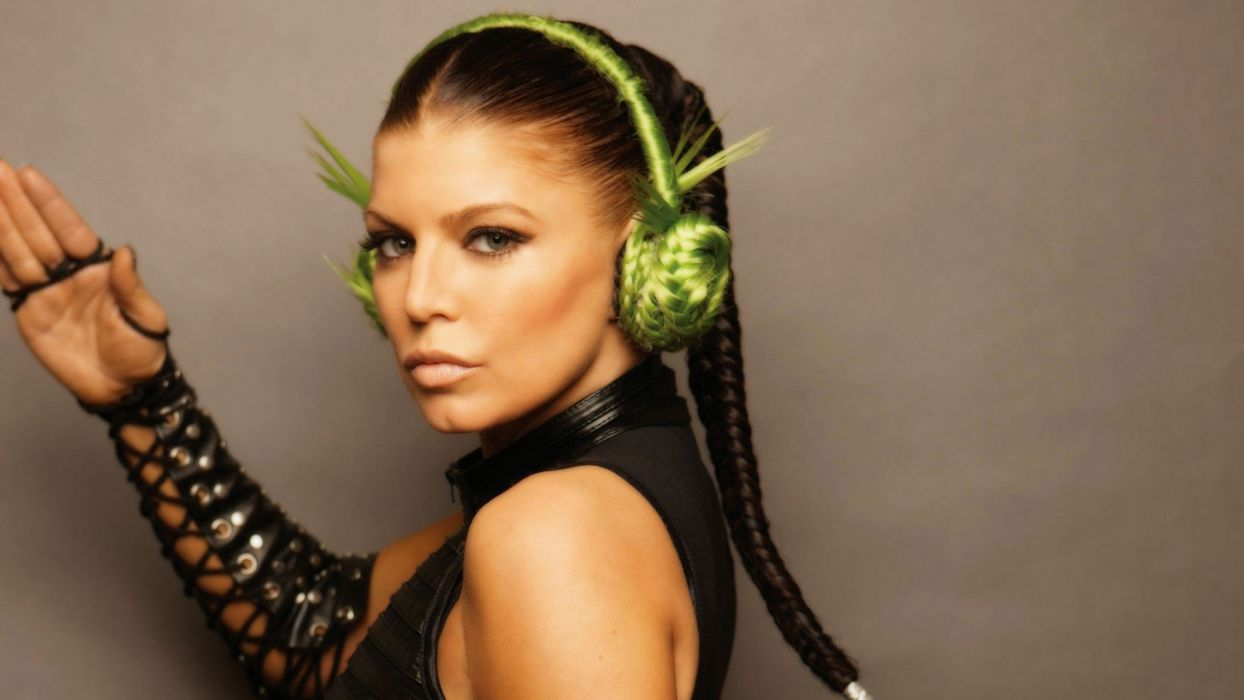 FERGIE r-b hip hop pop women black eyed peas    f wallpaper