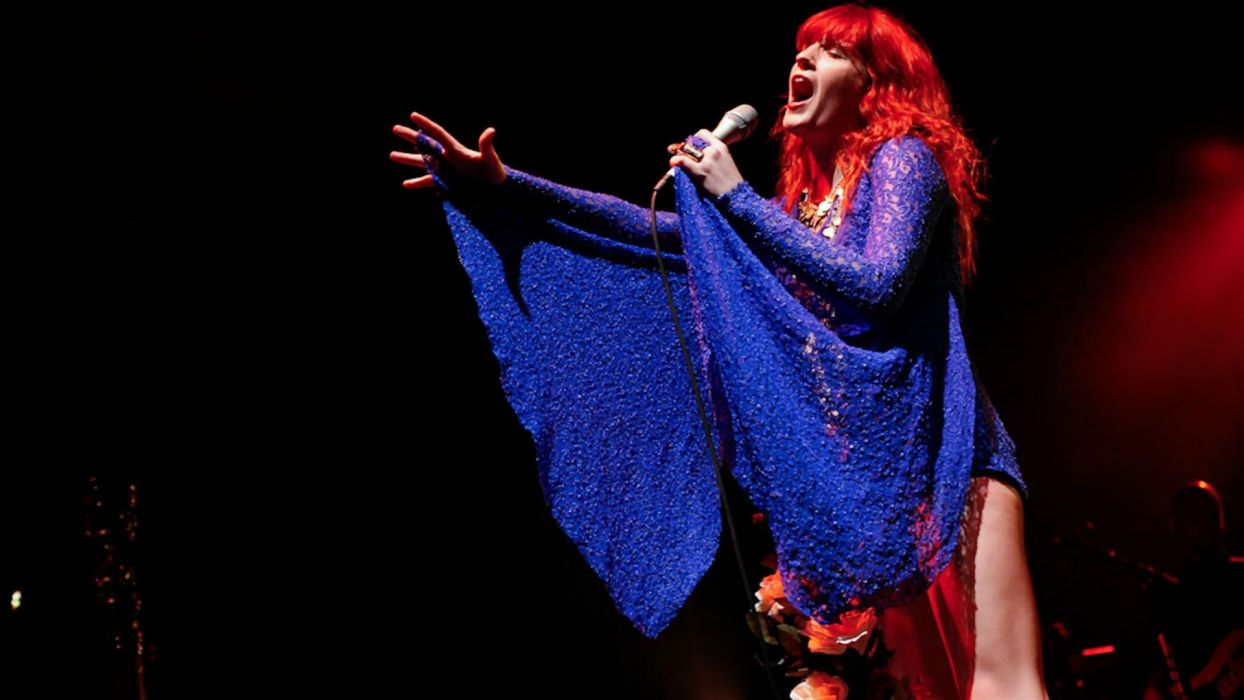 FLORENCE AND THE MACHINE indie rock concert concerts microphone   f_JPG wallpaper