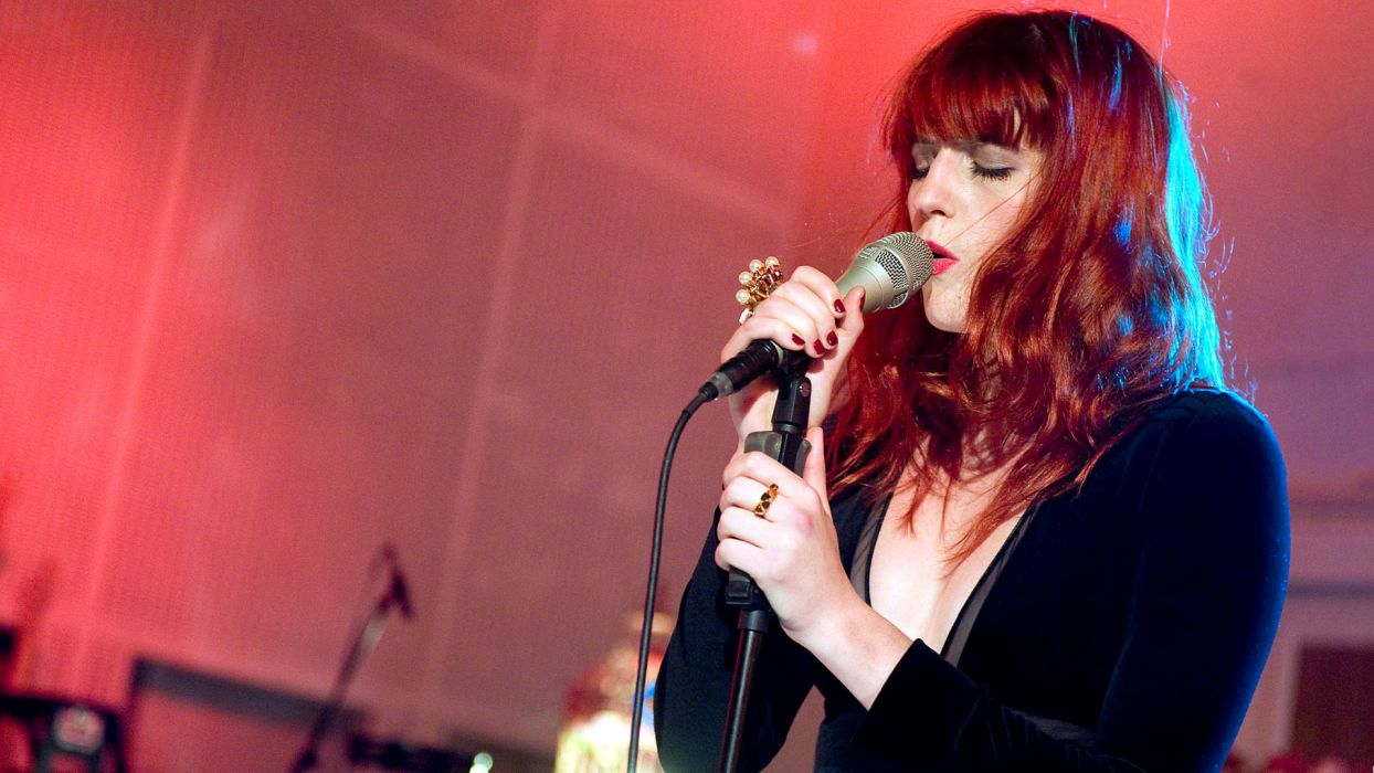 FLORENCE AND THE MACHINE indie rock concert concerts microphone wallpaper