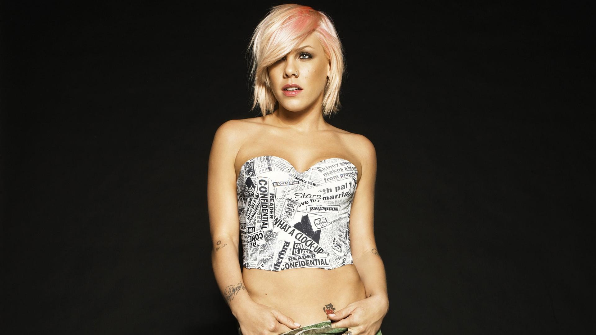 Alecia Beth Moore Wallpaper Pink Alecia Beth Moore Pop