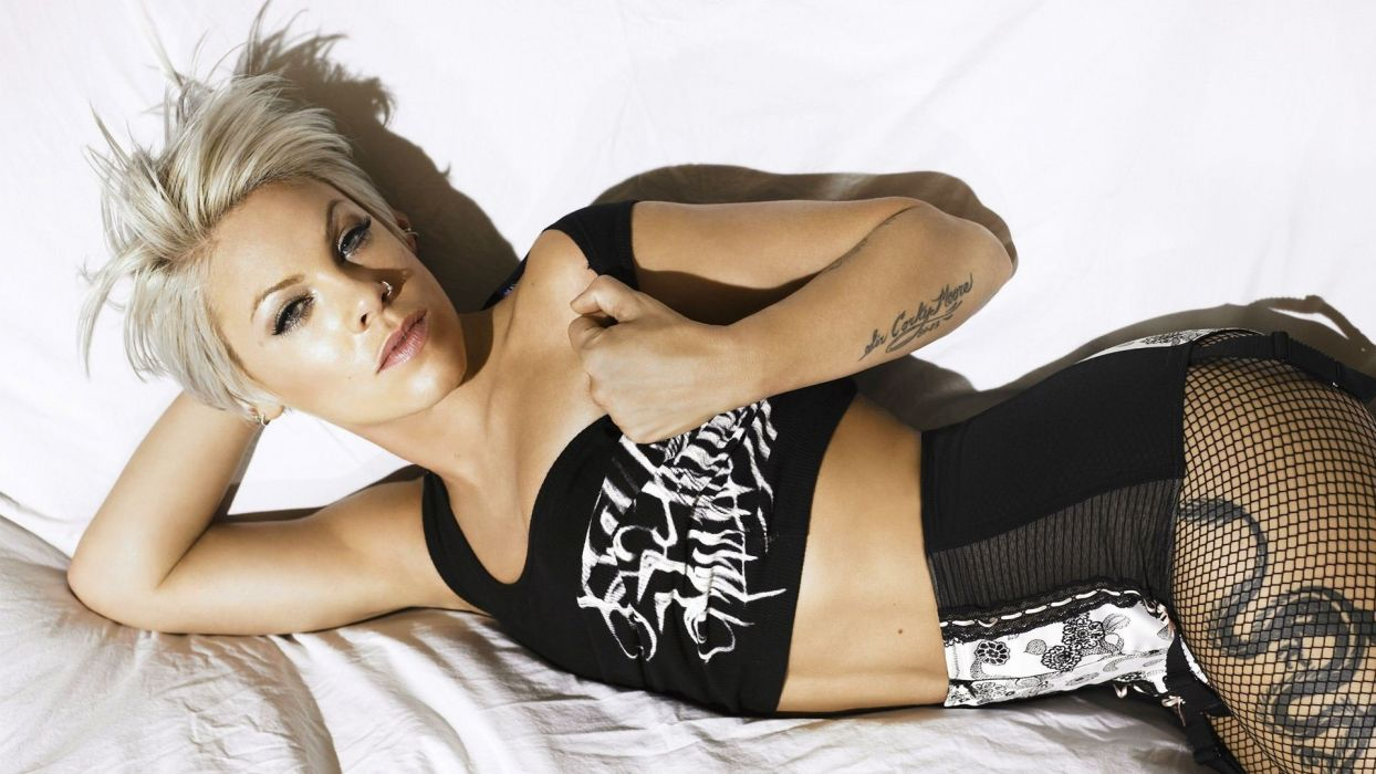 PINK Alecia Beth Moore pop rock punk r-b  z_JPG wallpaper