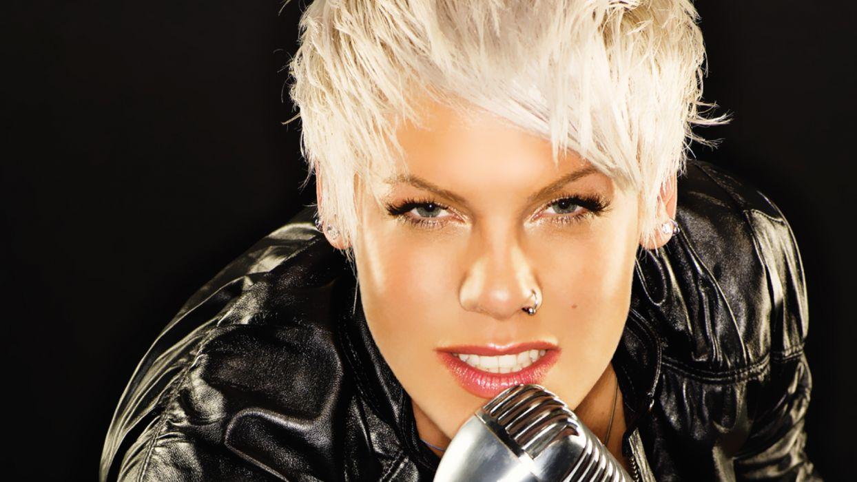 PINK Alecia Beth Moore pop rock punk r-b microphone  d wallpaper
