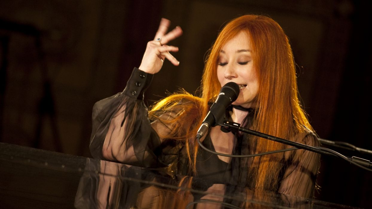 TORI AMOS piano rock alternative microphone concert concerts d wallpaper