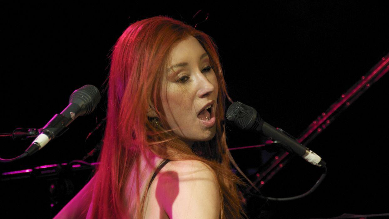 TORI AMOS piano rock alternative microphone concert concerts   t wallpaper
