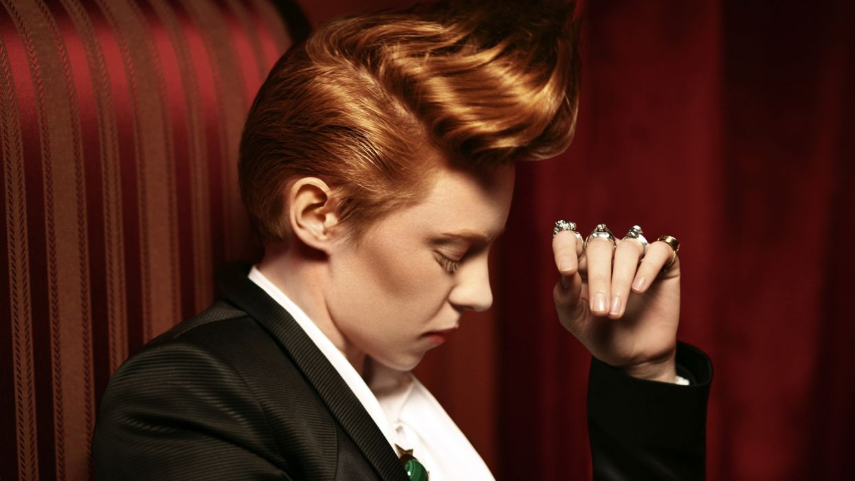 LA-ROUX synthpop pop    f wallpaper