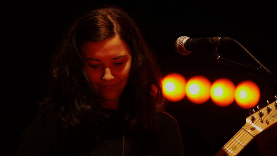 LISA HANNIGAN indie folk guitar guitars concert concerts f wallpaper