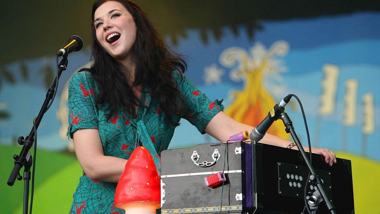 LISA HANNIGAN indie folk microphone concert concerts wallpaper