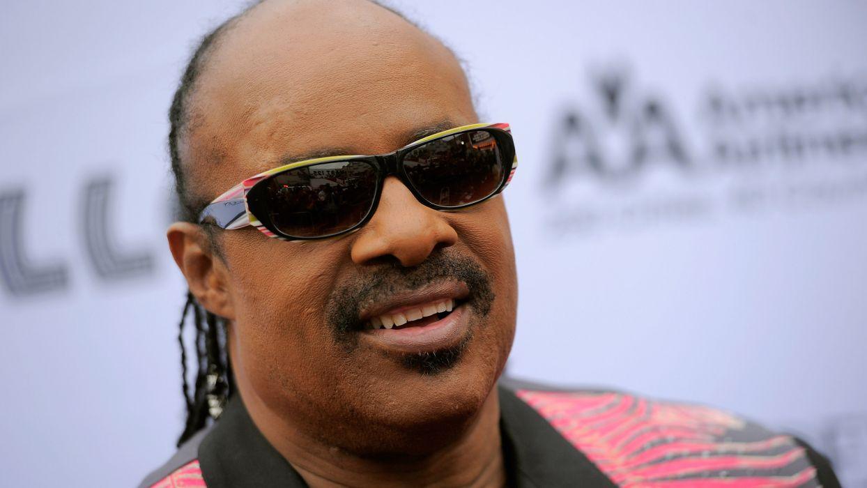 STEVIE WONDER Soul pop R-B funk jazz glasses sunglasses wallpaper