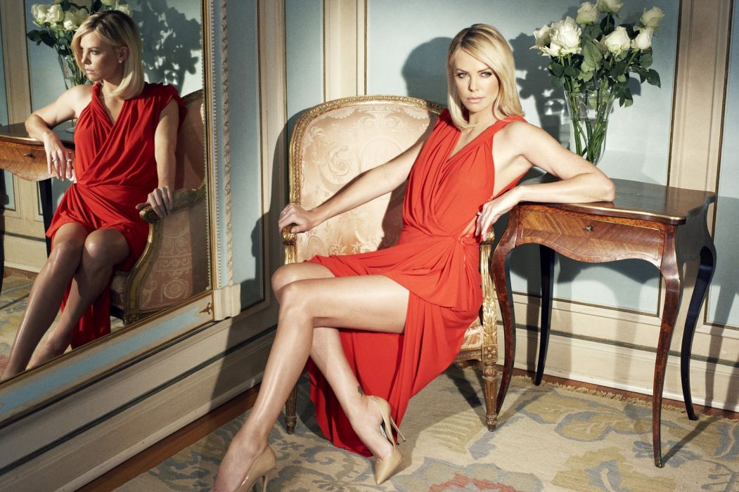 Charlize Theron Blonde Dress Legs Mirror reflection wallpaper