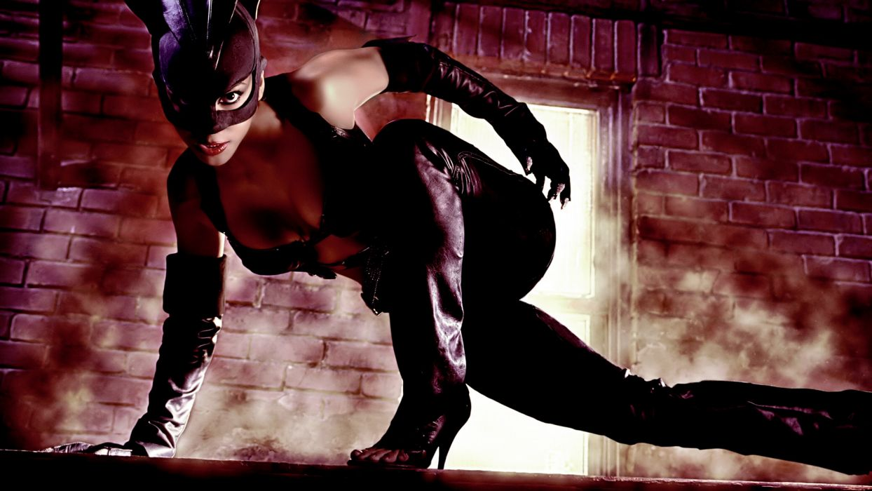 CATWOMAN halle berry comics    g wallpaper