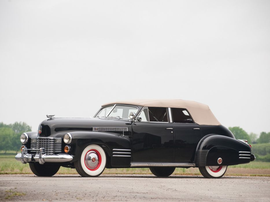 1941 Cadillac Sixty-Two Convertible retro luxury wallpaper