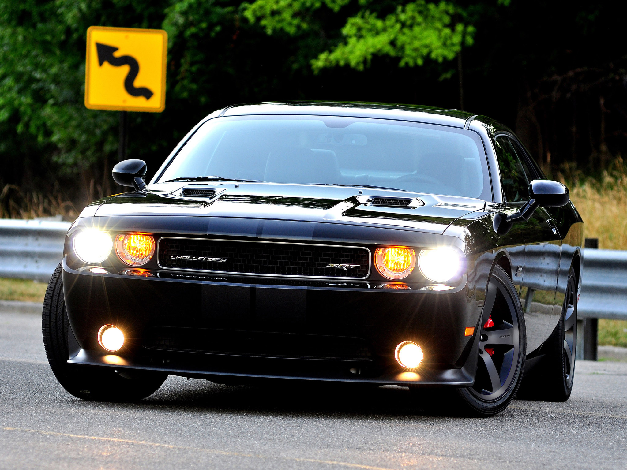 2013 Dodge Challenger Srt8 Muscle Wallpaper 2048x1536