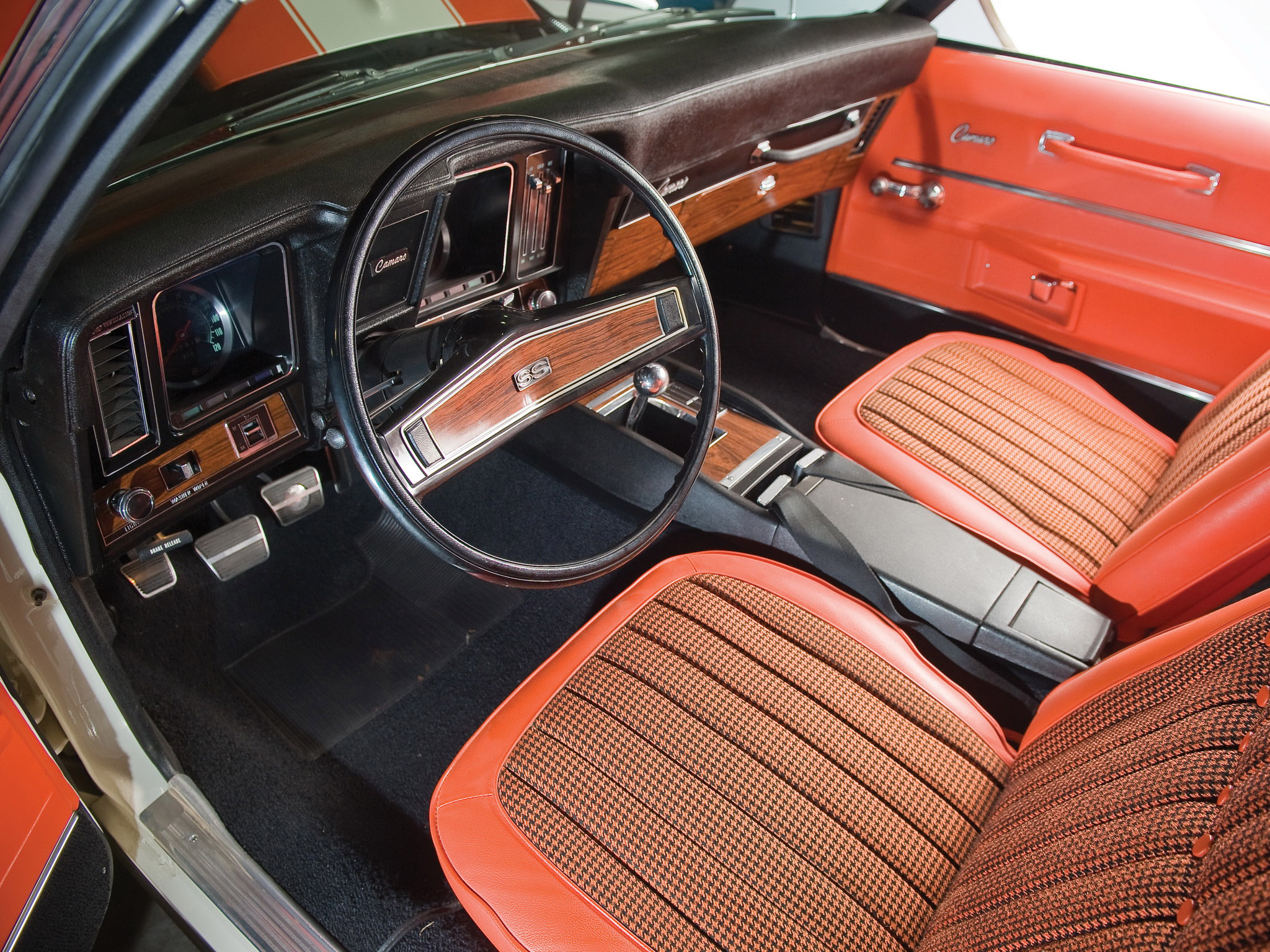 1969 Chevrolet Camaro SS 396 Convertible classic muscle interior
