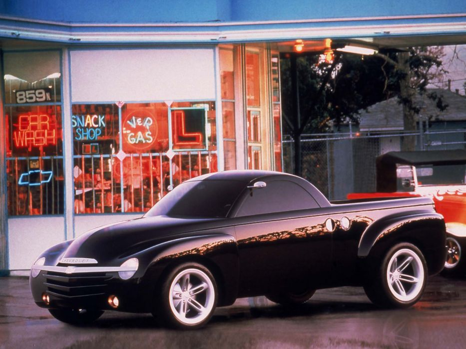2004 Chevrolet SSR Concept muscle truck   s wallpaper