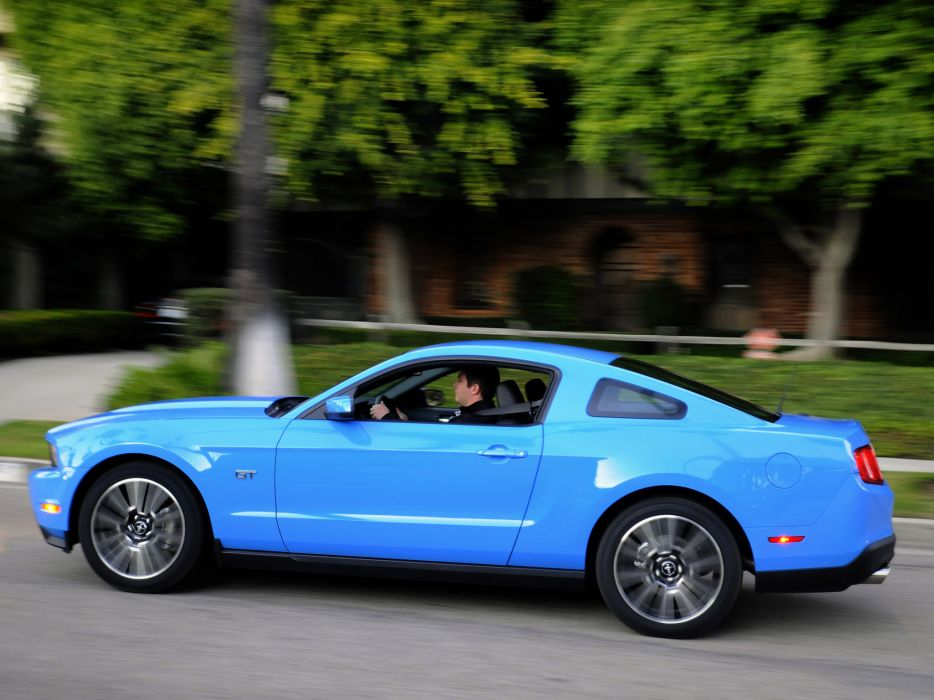 2010 Ford Mustang G-T muscle wallpaper