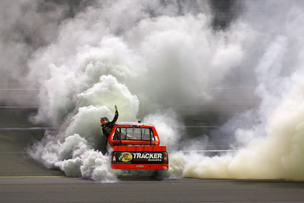 Nascar Race Racing Truck Burnout Smoke Wallpaper