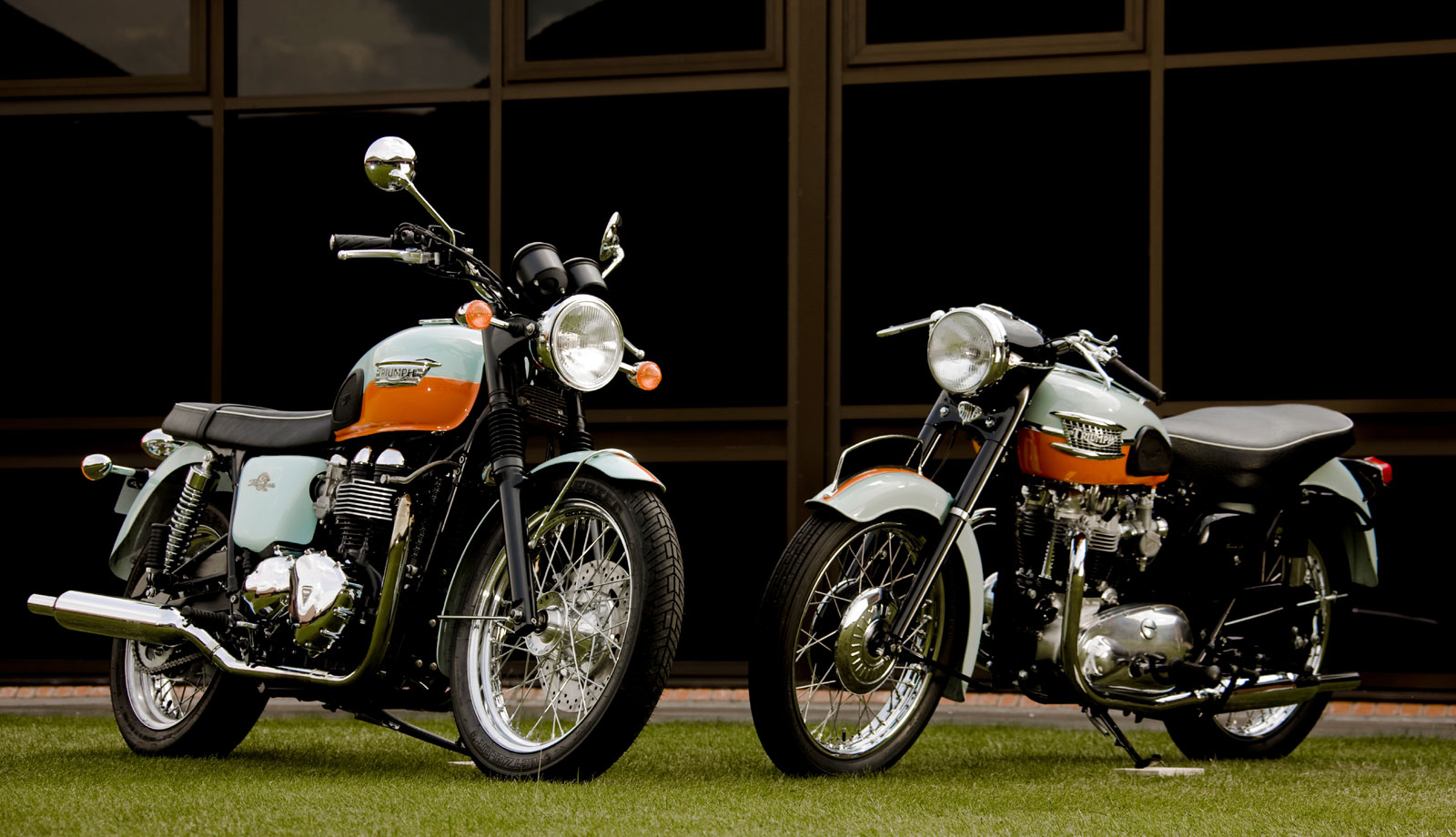 2009 Triumph Bonneville T100 50th k wallpaper | 1600x920 ...