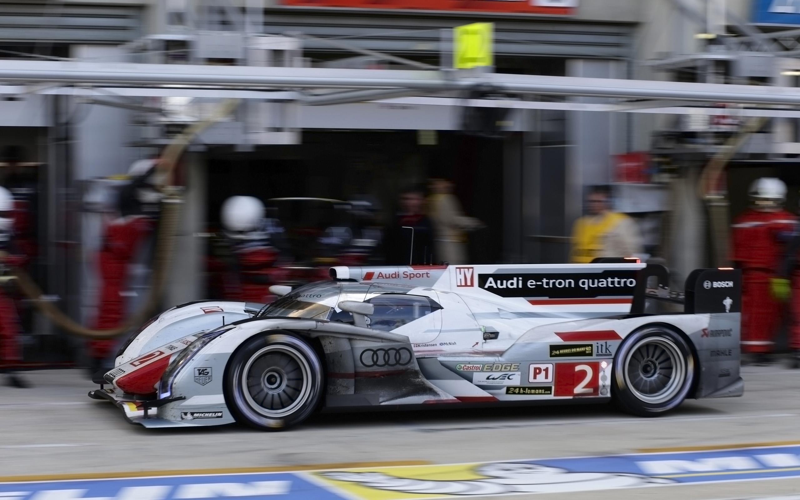 2013 Audi R18 E Tron Quattro Race Racing Le Mans F