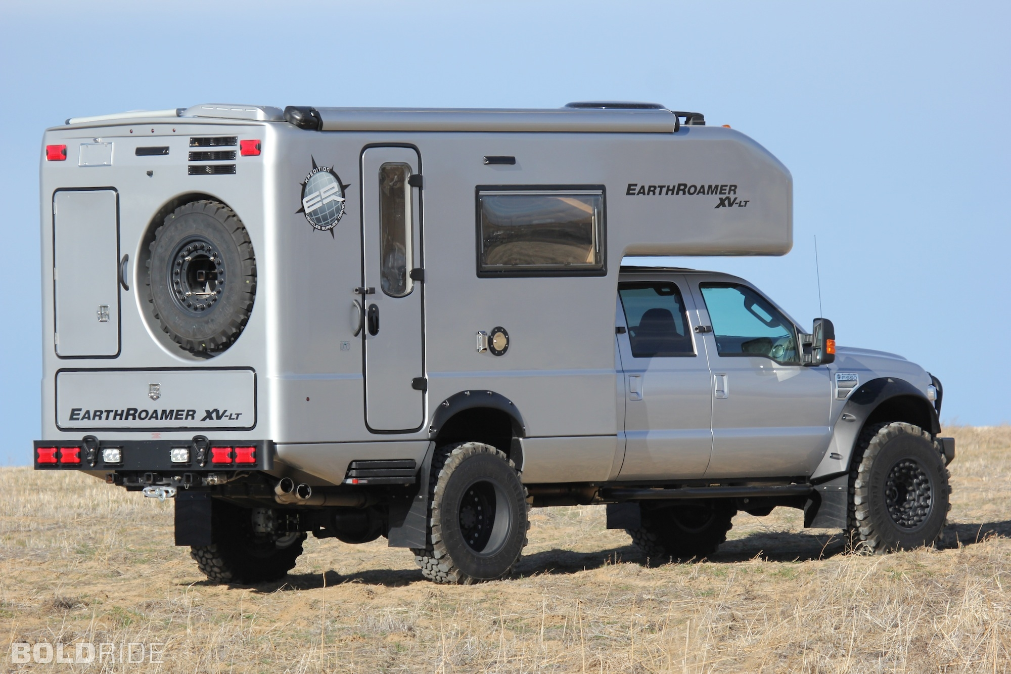2013 Ford F-550 XV-LT 4x4 offroad truck camper s wallpaper background