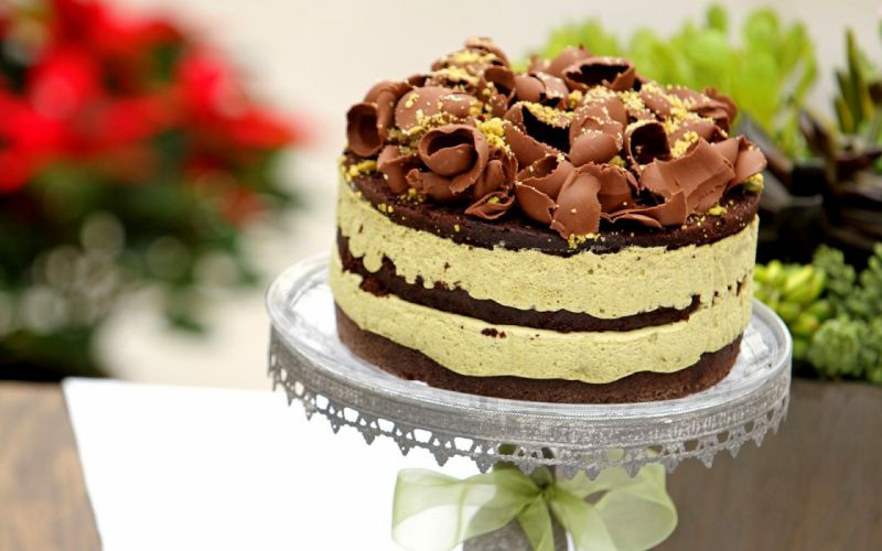 Украшение торта кремом пломбир
