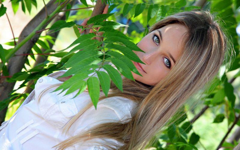 Girl Woman Beauty Face Blonde Blue Eyes wallpaper