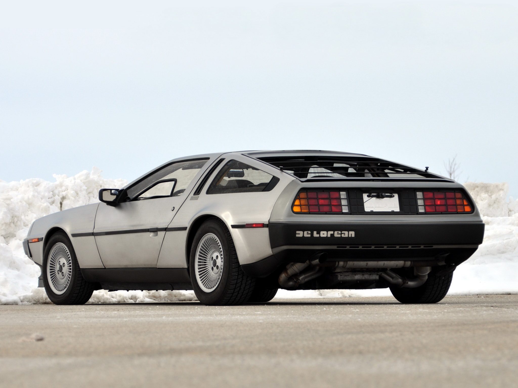A Small Car >> 1981 DeLorean DMC-12 supercar supercars classic g wallpaper | 2048x1536 | 114912 | WallpaperUP
