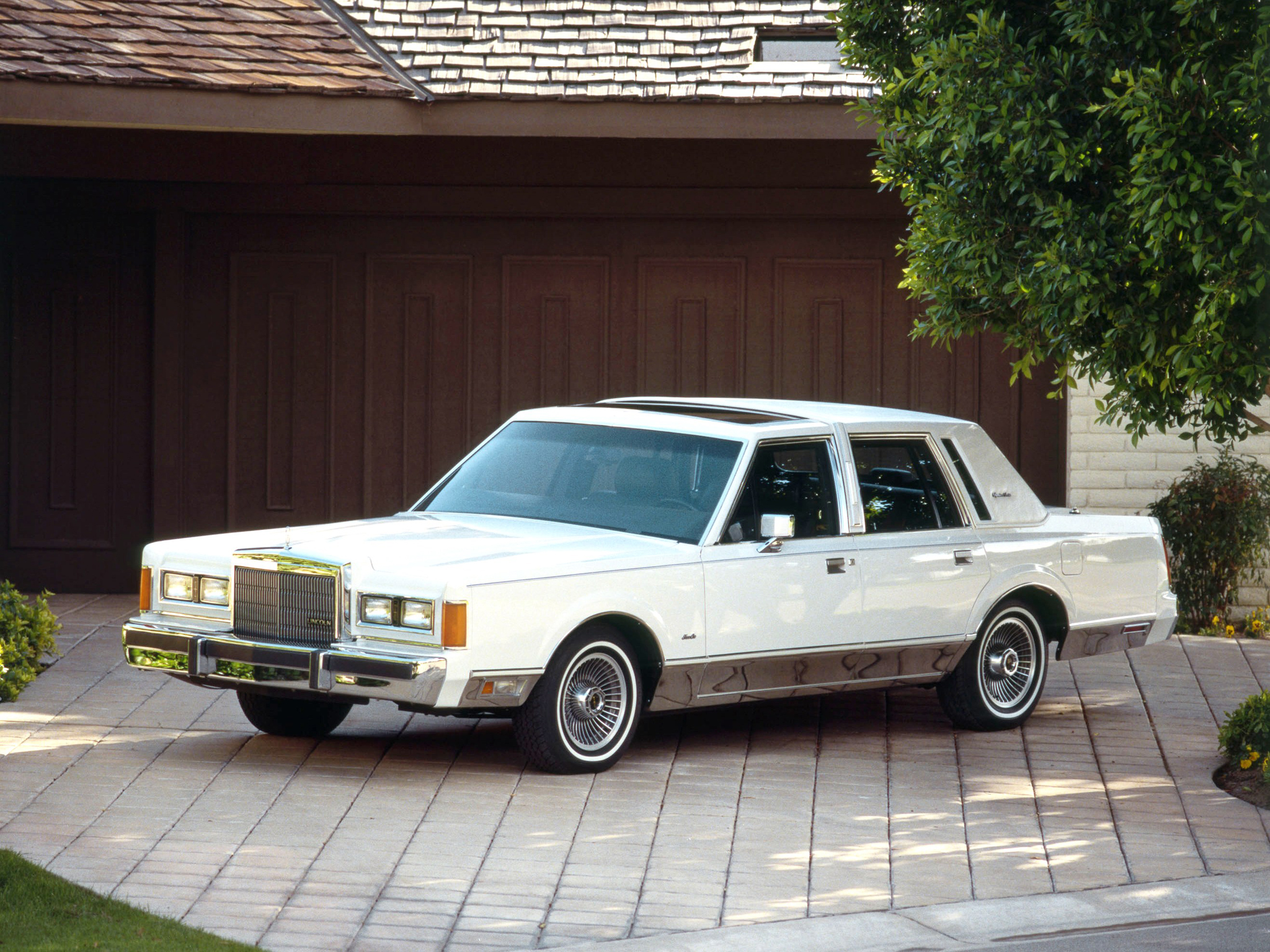 1985 lincoln town car luxury classic wallpaper 2048x1536 116111 wallpaperup. Black Bedroom Furniture Sets. Home Design Ideas