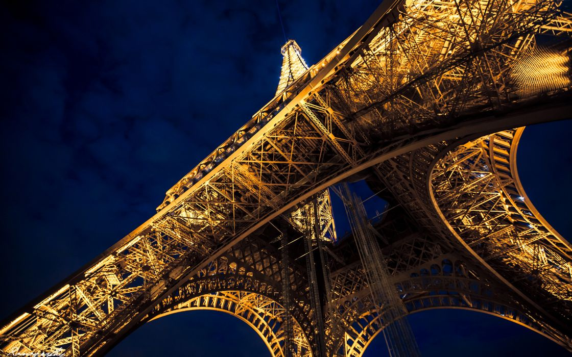 Eiffel Tower Paris Night Tower wallpaper