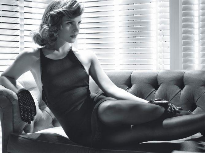 Emma Watson B-W wallpaper