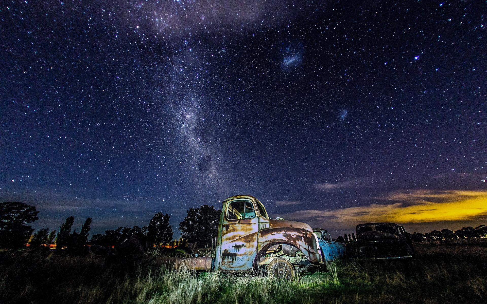 denser in middle night sky milky way galaxy - photo #26